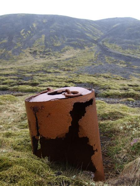 Leifar djúpsprengju við Langhól