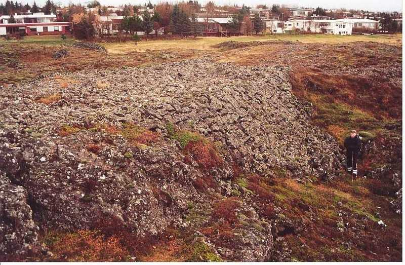 Leifar vegagerðarinnar við Miðaftanshól