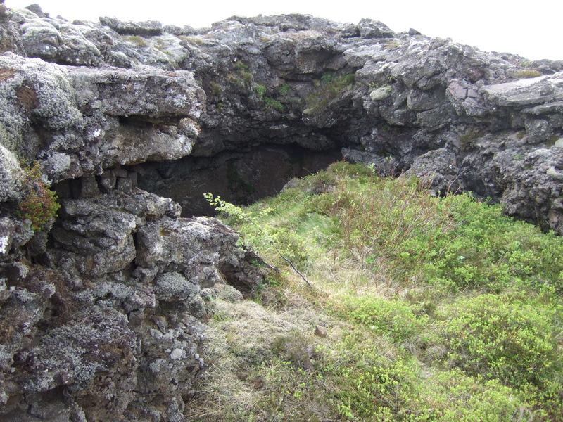 Gróin hrauntröð í Gjánum