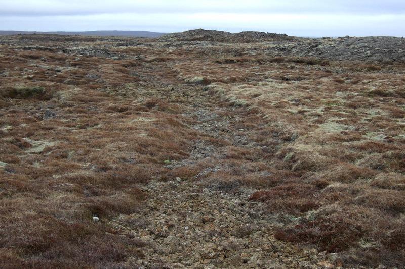 Gata, þó ekki skriðdrekagata, og hóll, Gamli-Kaupstaður?