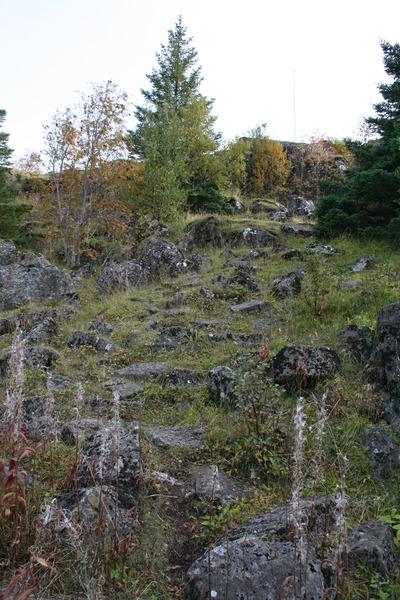 Á Hamarskotshamri - uppgangur að norðanverðu