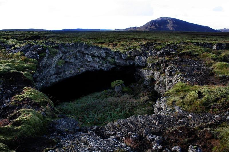 Vestasta op Hjartartraðar - Helgafell fjær