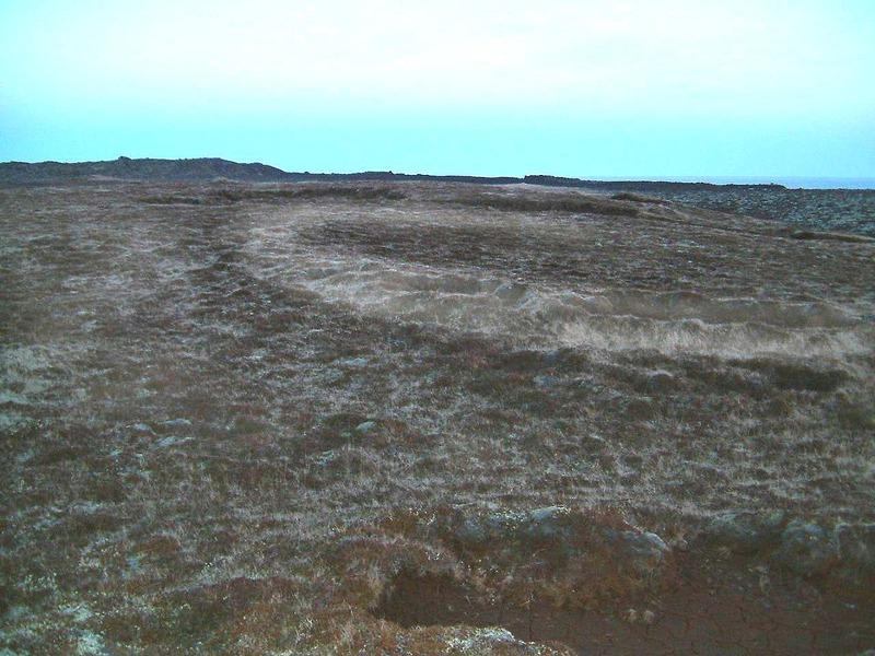 Kirkjuflöt - mögulegur grafreitur við Gömlu-Krýsuvík