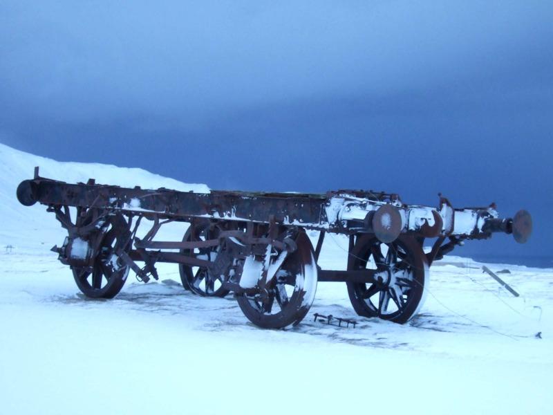 Járnbrautarvagn við Kiðafell - herminjar frá Hvítarnesi