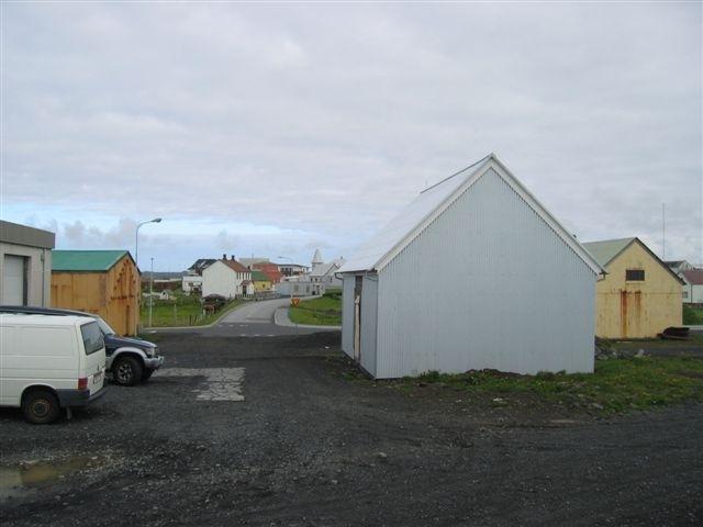 Flagghúsið í dag (2008) - grunnurinn á Vörum sést v/megin