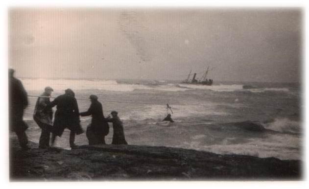 Frá björgun áhafnar Skúla fógeta 1933