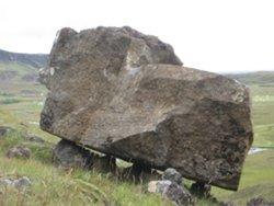 Steinn á steinum